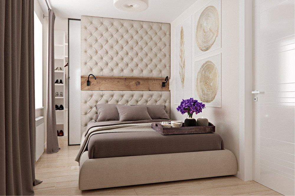 Мягкая оббивка стены над кроватью в спальне