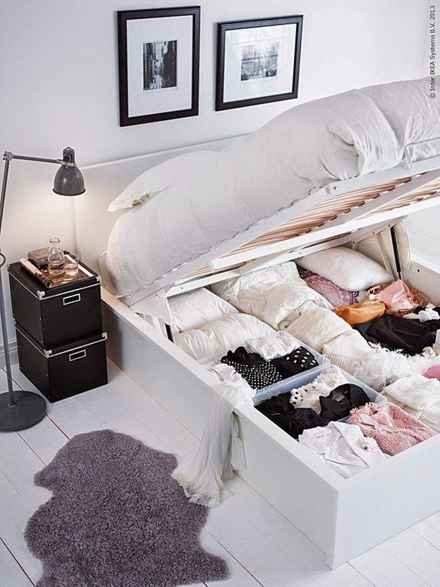 Хранение вещей под кроватью картинка