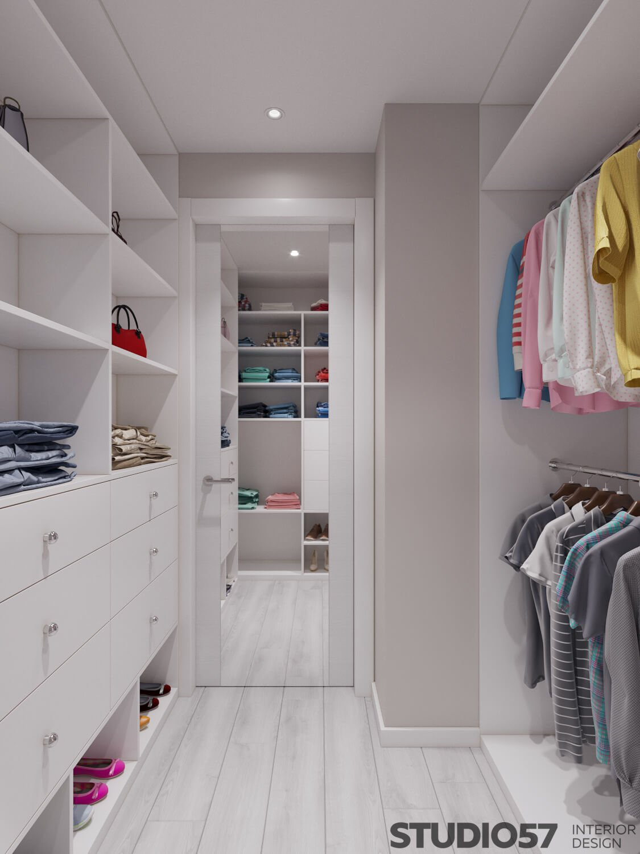Зеркало в белой гардеробной