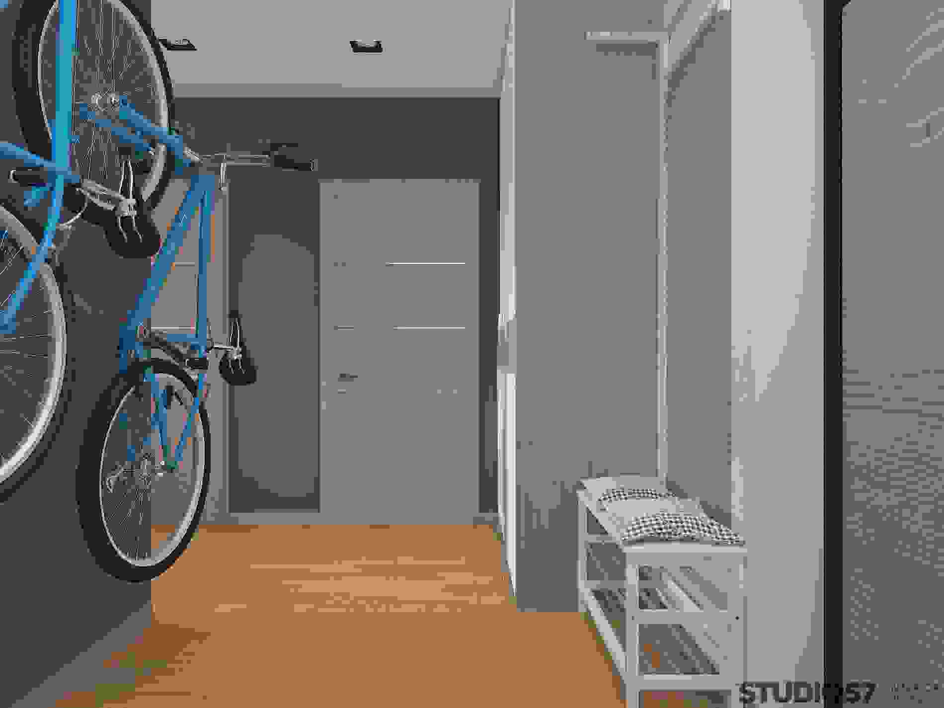 How to place a bike in the hallway
